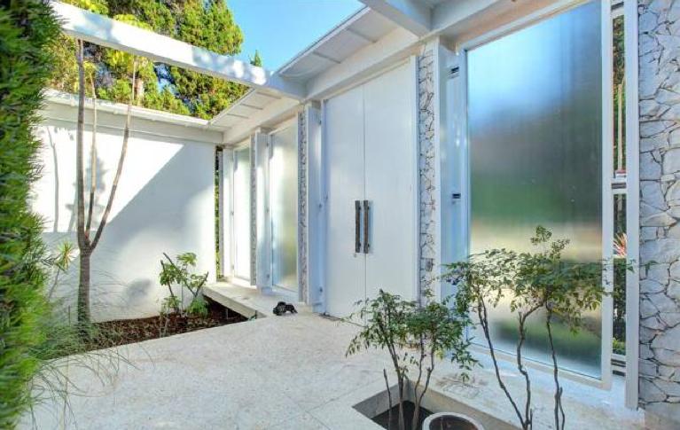 Modern homes los angeles top 2013 mid century modern for Midcentury modern la