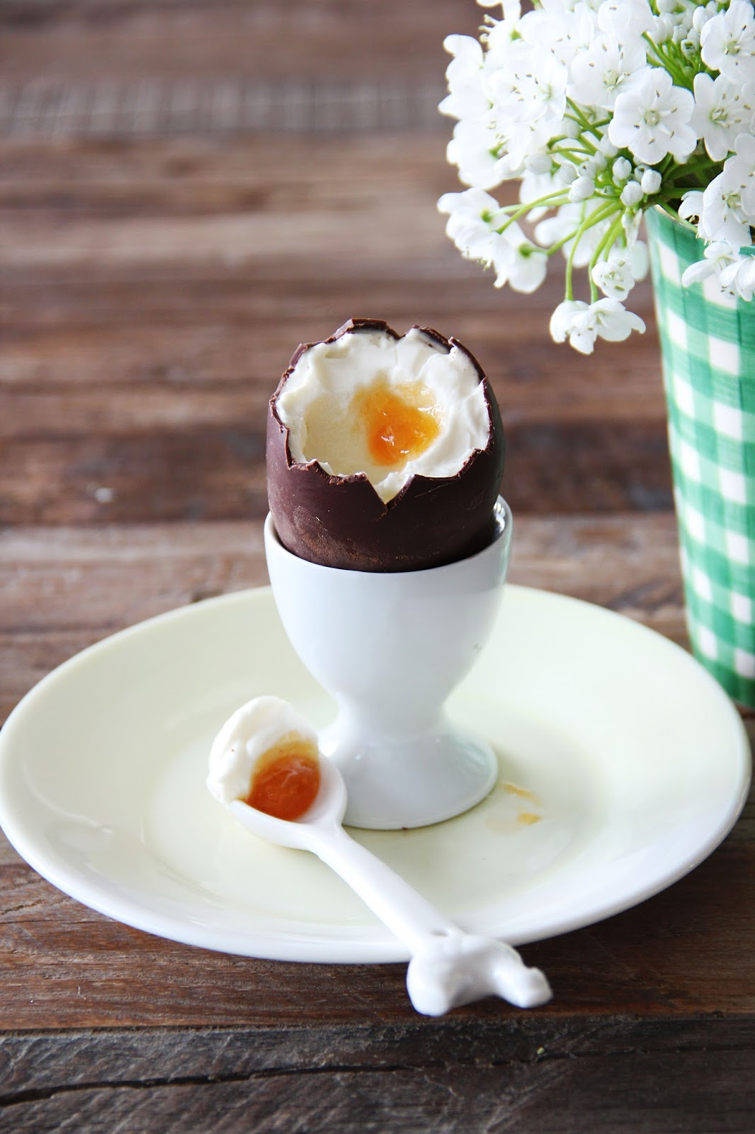 Cheese Cake Filled Easter Eggs – fork and flower