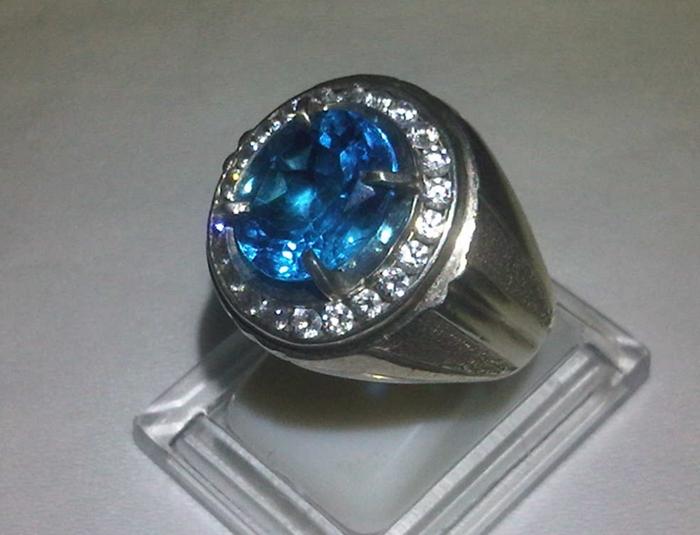 Gemstone : Natural Blue Topaz