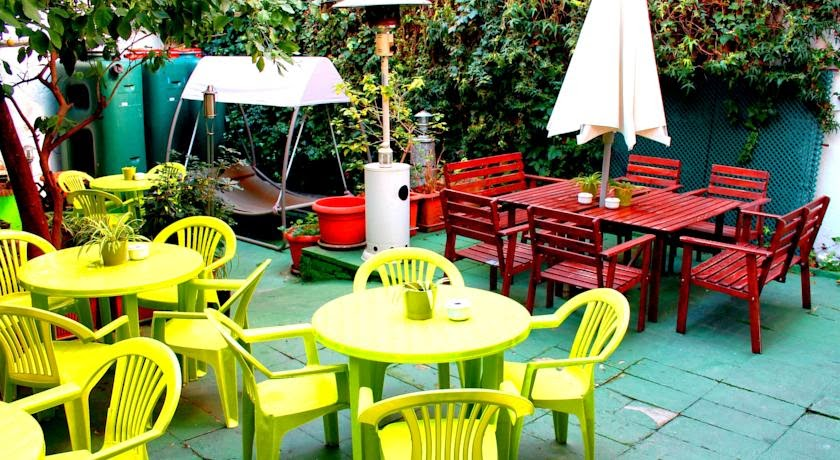 http://www.yourspainhostel.com/a_1078_es/the-garden-backpacker.html
