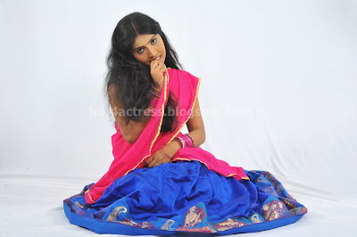 New actress saniya latest pics