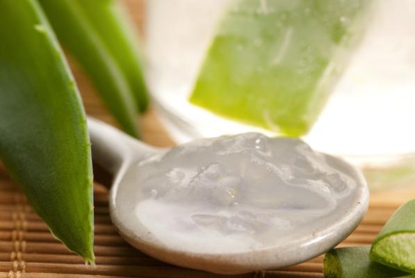 gel di aloe vera, crema fai da te antirughe, smagliature, macchie della pelle
