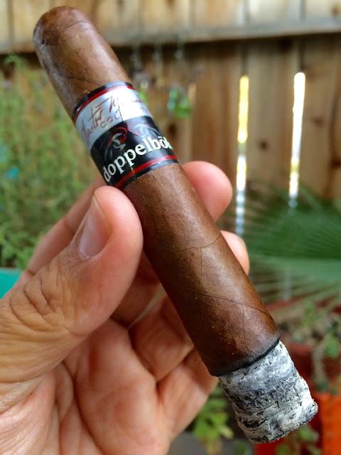 Nestor Miranda Doppelbok cigar 2