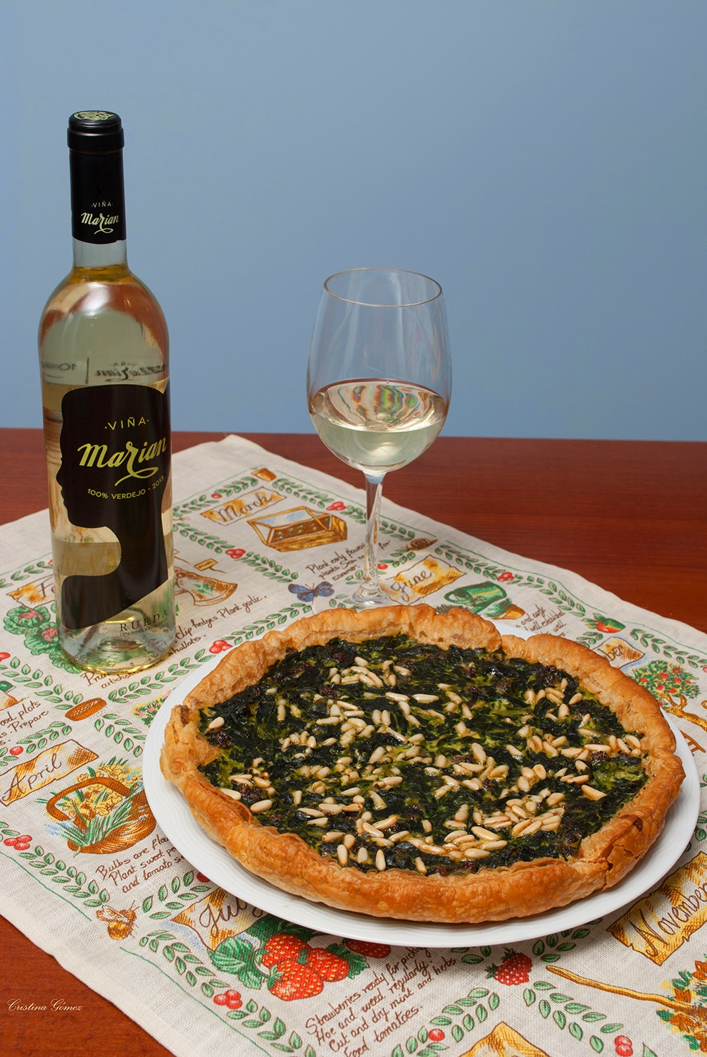 Spinach raisin and pine nut quiche recipe