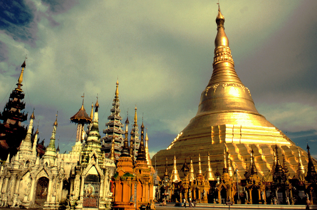 Worlds Incredible Shwedagon Pagoda Myanmar