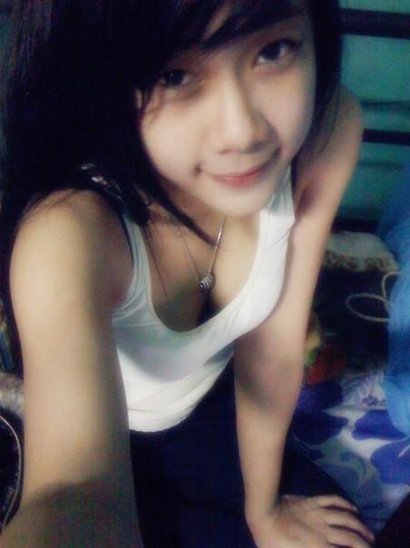 Ngoc Trinh Beautiful At Home Sexy Girl