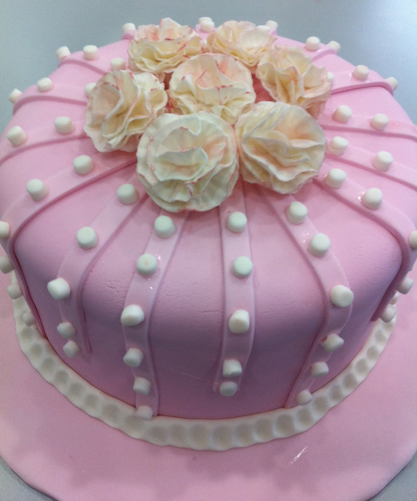 Simply Amazing Cakes: Flower Cakes