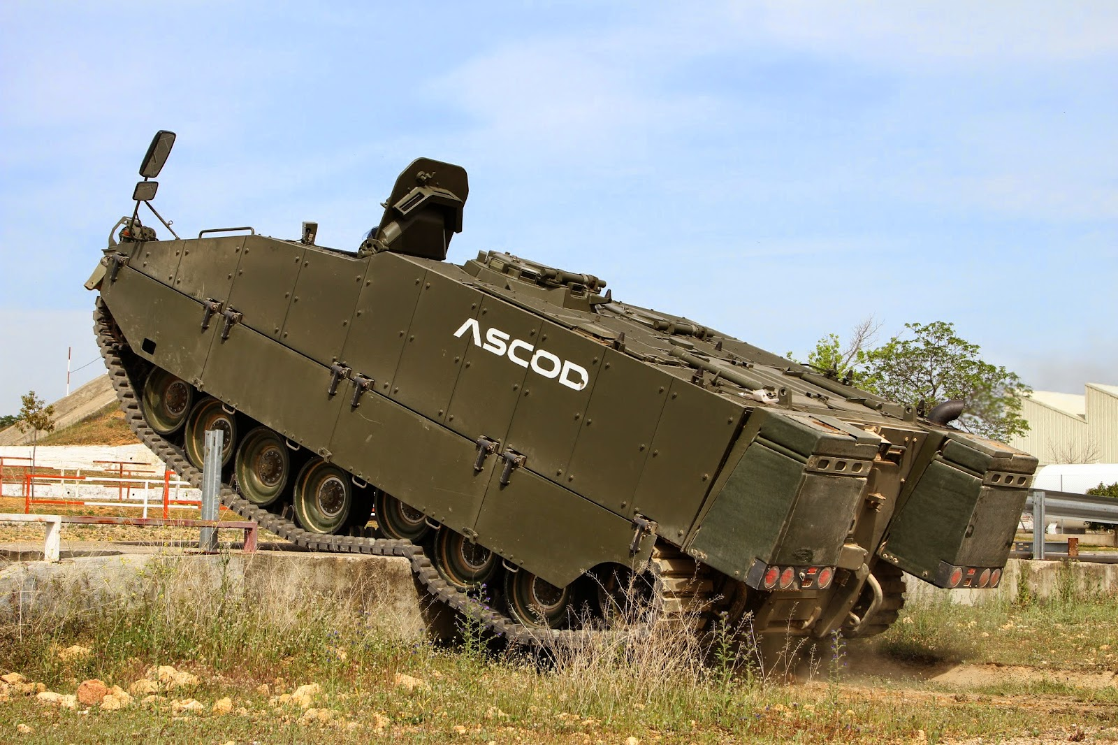 MILITARY TECHNOLOGYNew Military Technology 2014