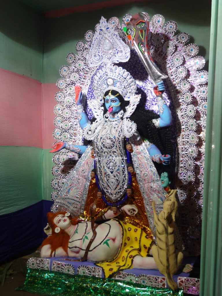 kali puja Kali puja and older beliefs - the kali puja is held on the night of the new moon in  the bengali month of kartik it is said that maharaja krishnan.