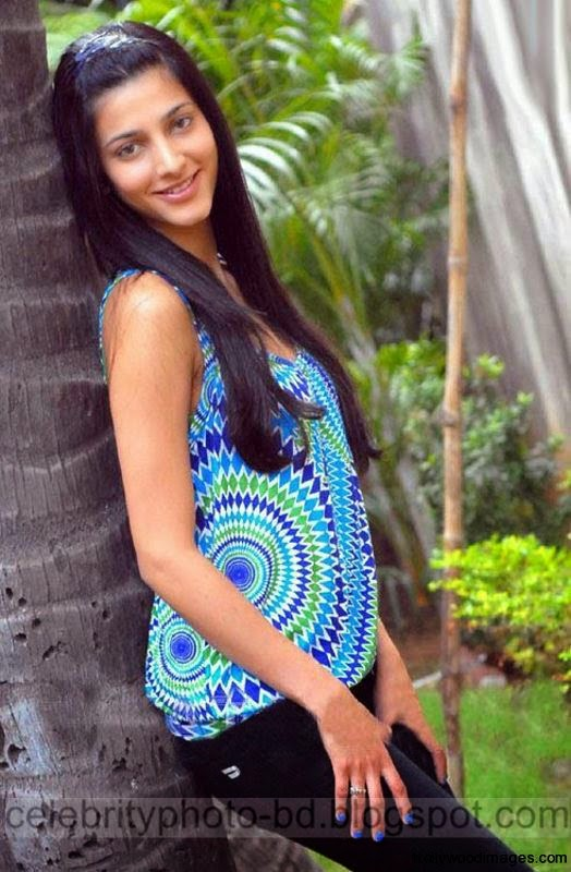 Popular%2BActress%2BShruthi%2BHaasan's%2BNew%2BBeautiful%2BPhotos%2C%2BWallpapers%2Band%2BImages%2BCollection008