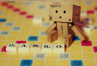 Wallpaper Danbo Broken Heart