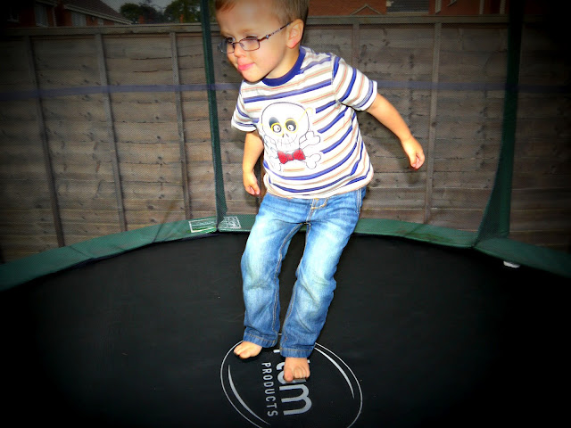 toddlers, trampoline
