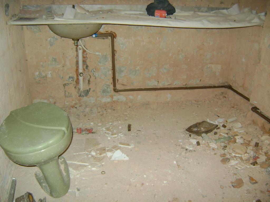 banheiro de pobre:então comovida com o sofrimento do pobre banheiro  #914C3A 1024x768 Banheiro De Pobre Bonito