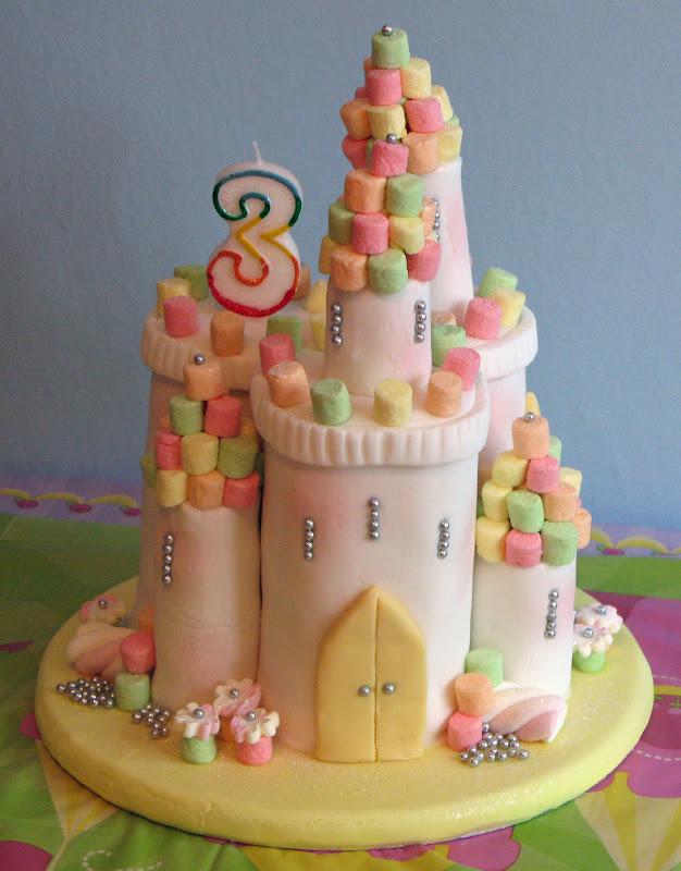 Simple Princess Cake Design : Snowballs in Summer: Princess castle cake