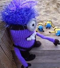 http://stana-critters-etc.blogspot.com.es/2013/08/knitting-pattern-for-minions-evil.html