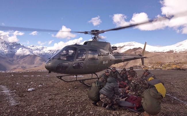 snowstorm at thorong la annapurna nepal