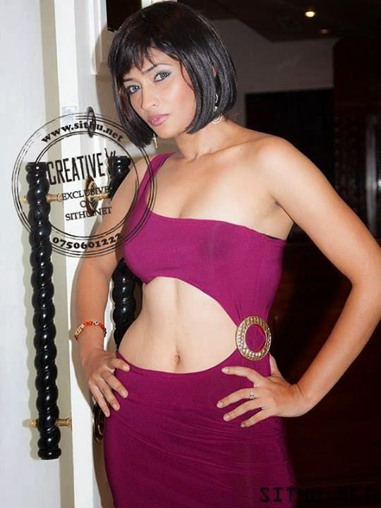 Tania Deen milky navel