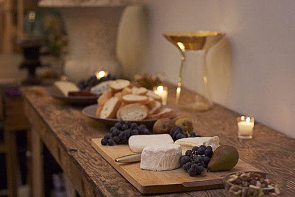 como preparar una tabla de quesos gourmet -rustica y elegante
