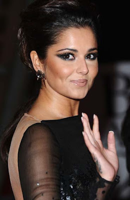 Cheryl Cole dating her hair technician