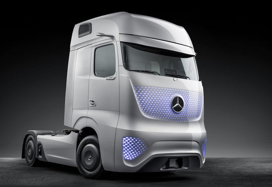 これが未来のトラック!?メルセデスベンツが公開したコンセプトカーがスゴい!フューチャートラック