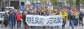 mas-de-un-millar-de-trabajadores-municipales-de-jerez-protestan-por-el-impago-de-las-nominas-