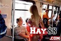 Mexico: khỏa thân, múa cột khiêu dâm trên tàu điện