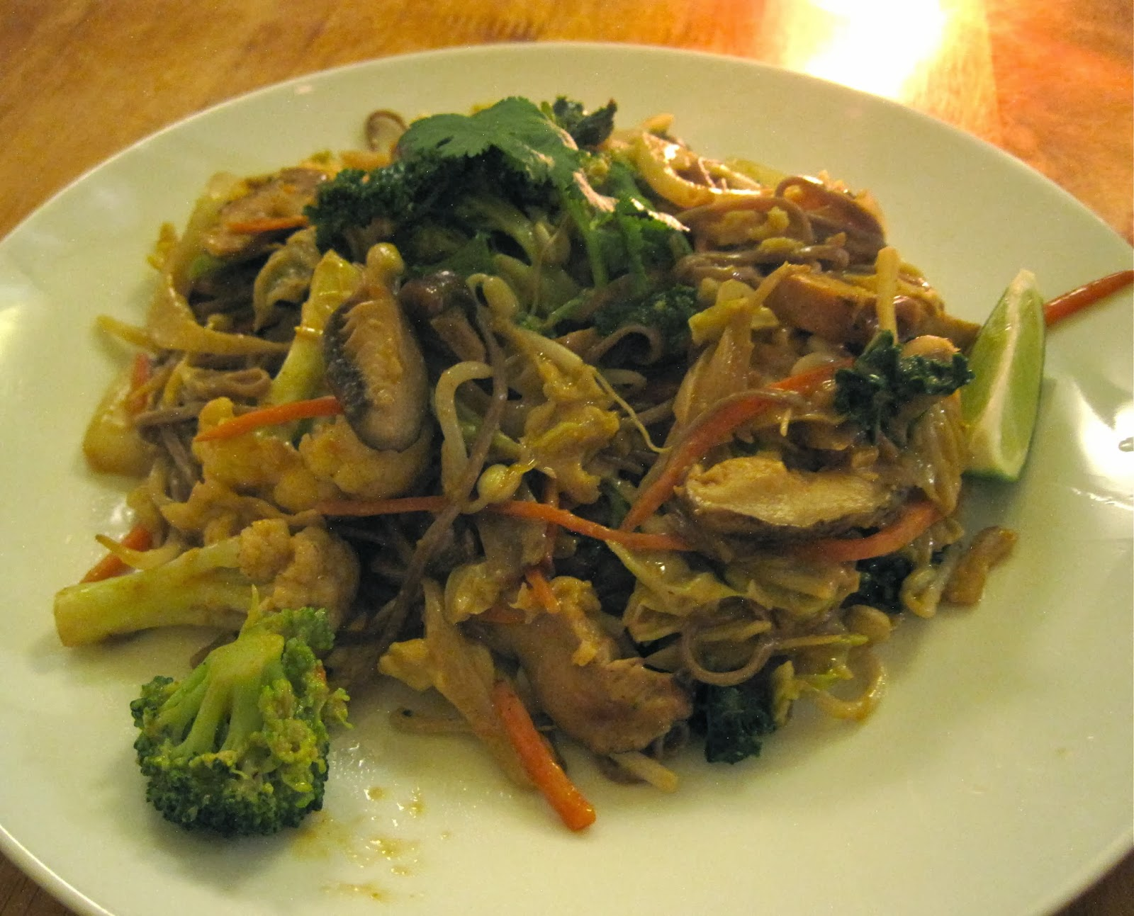 Egg-Free Vegan Pad Thai with Tofu - Souen New York City