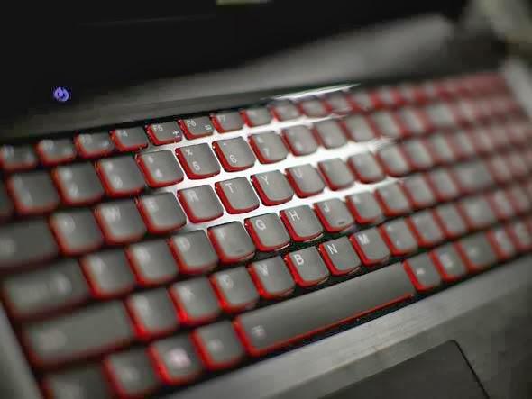 http://2.bp.blogspot.com/-n-0l--BLe_c/UxSEnjcEmGI/AAAAAAAAA5k/Ae0DZkysOUo/s1600/size_590_teclado_de_computador.jpg