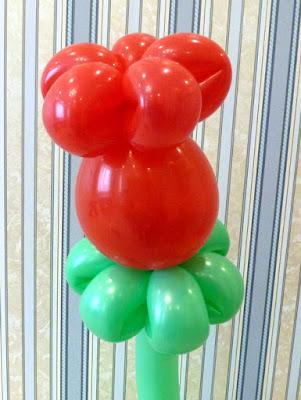 цветок бутон из воздушных шаров