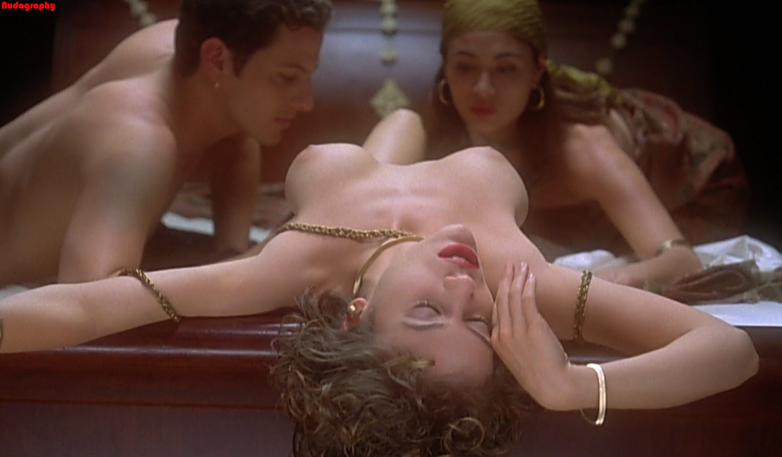 alyssa milano naked embrace of vampire