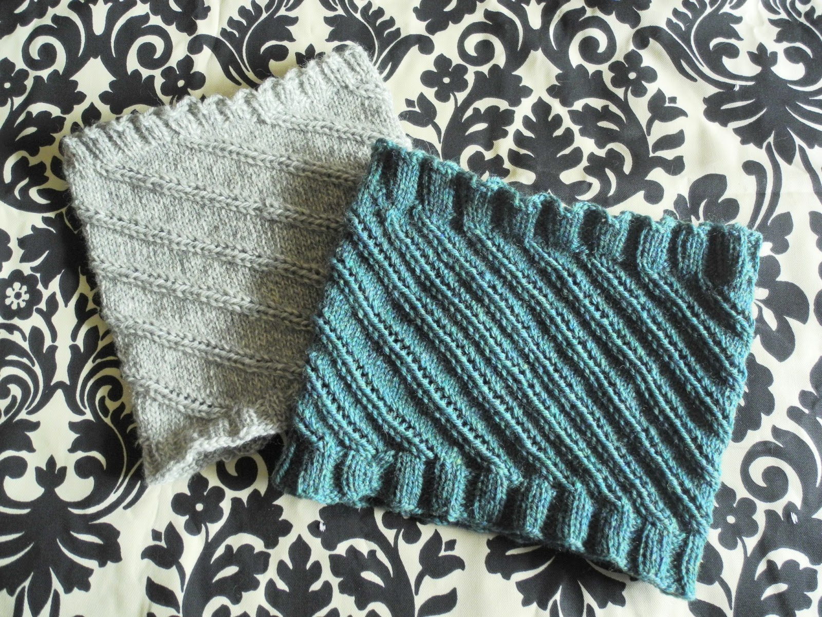 Knit Spiral Scarf Pattern : Librarian Tells All: Knitting Simple Spiral Cowls for Beginners