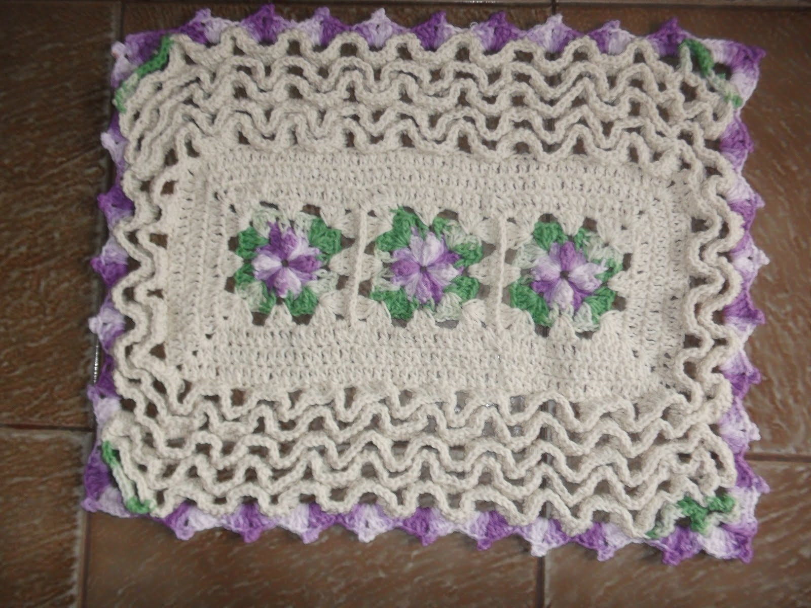 Bete barbante croche tapete floral for Tapete floral