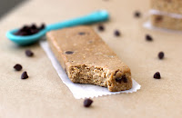Healthy Homemade Chocolate Chip Cookie Dough Protein Bars