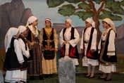"""""""Ο ΧΟΡΟΣ ΤΟΥ ΖΑΛΟΓΓΟΥ"""" - θεατρική παράσταση Νεανικών Ομάδων (video)"""