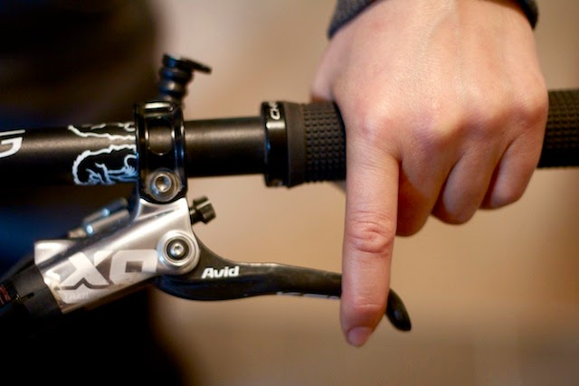 Bike News, Report, Cycling Tips, which brake is better, front or rear brake
