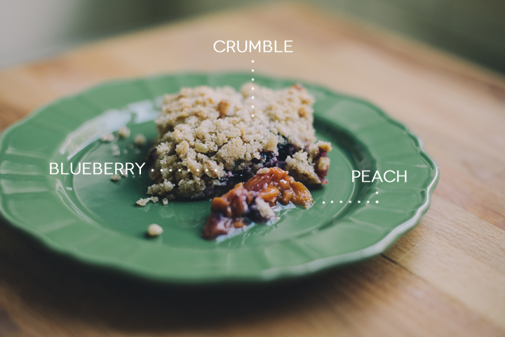 peach-blueberry-crumble