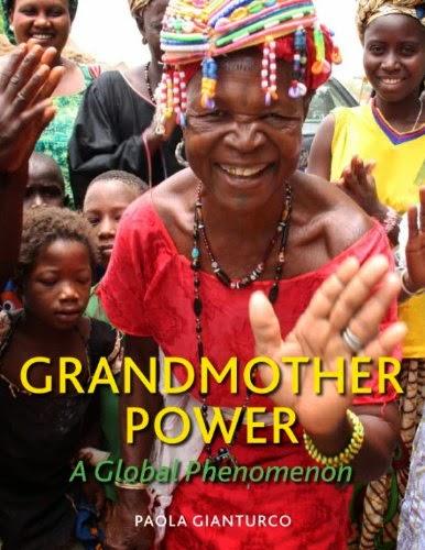 Grandmother Power af den estimerede amerikanske fotojournalist Paola Gianturco anbefales varmt