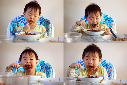 Cute Baby boy's Dinner Time - cutipedia