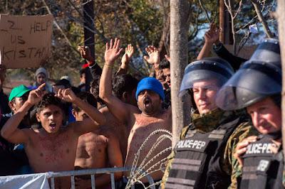 migráció, illegális bevándorlás, éhségsztrájk, tiltakozás, gazdasági bevándorlók,