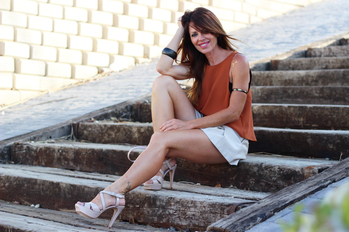 Streetstyle - color nude - fashion blog - Sandra Morales - Pepe Moll - Feler sunnies