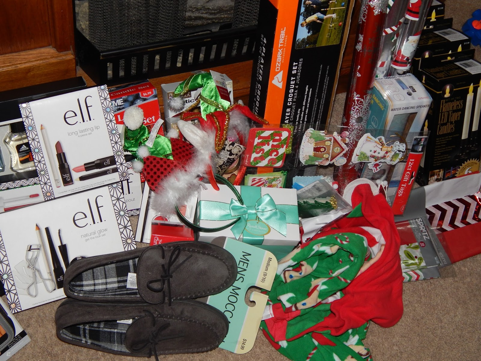 target 50 70 off holiday lots of food items left and misc decorations rite aid 75 off holiday lots of nice gift sets