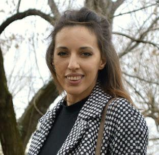 Aurora Toma  28 ani / România Contact:tomaaurora3@gmail.com