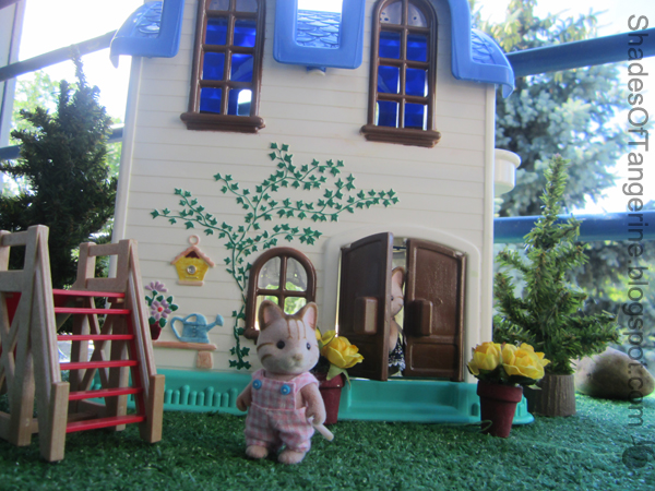 Recently, I Received An Email From A Girl Named Sailor About Making Over An  Old Dollhouse For Her Calico Critters. Iu0027ve Read Dozens Of Wooden Dollhouse  ...