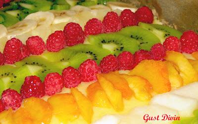 Pandispan cu fructe