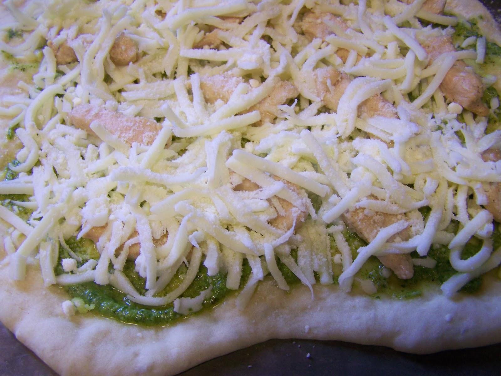 Culinary Brainchild: Chicken Basil Pesto Pizza