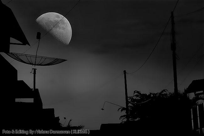http://klikmg3.blogspot.com/2016/01/waxing-crescent-moon-fotogarfer-editing.html