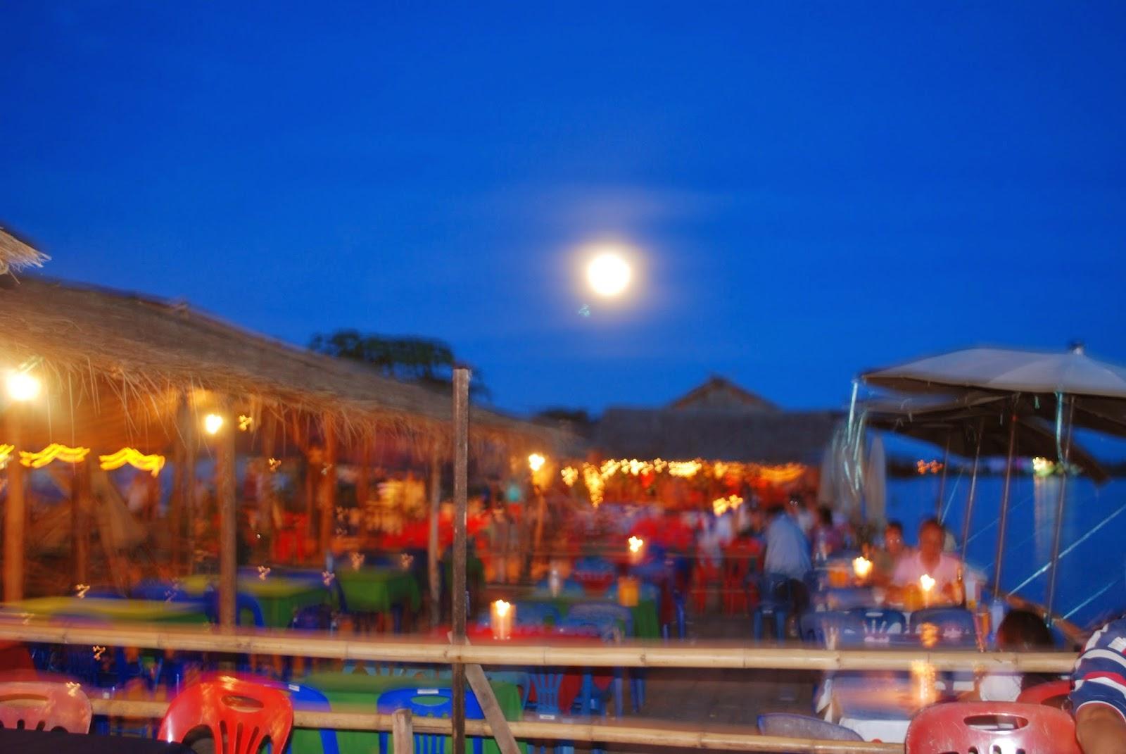 Vientiane-Laos-night-market