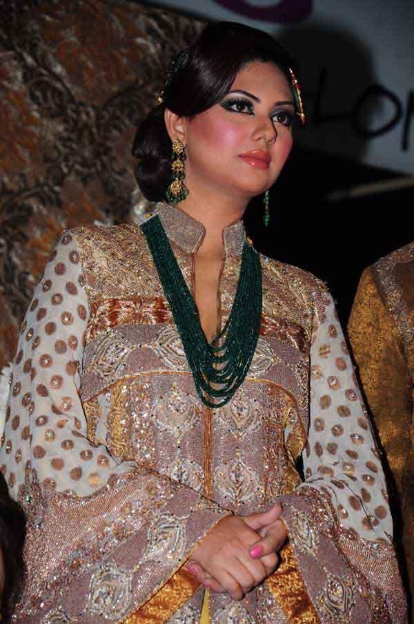 Couture bano sabs salon opens in tehxeeb lahore for Asma t salon lahore