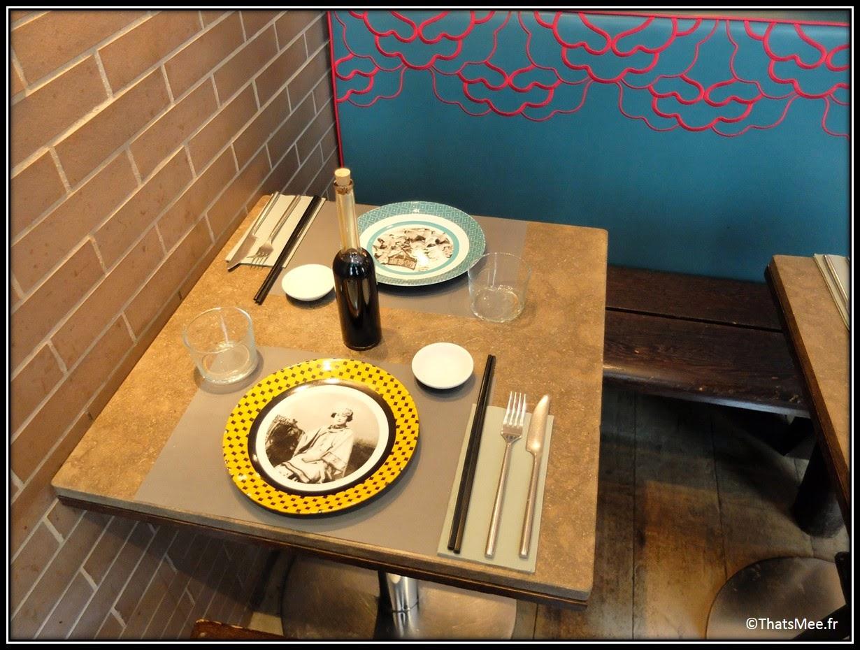Yoom, Resto specialité dim sum ravioli bouchées vapeur, Paris rue des martyrs déco loft asiatique, salade champignon noir, soupe au tofu, dim sum poulet cacahuètes boeuf gingembre basilique saté