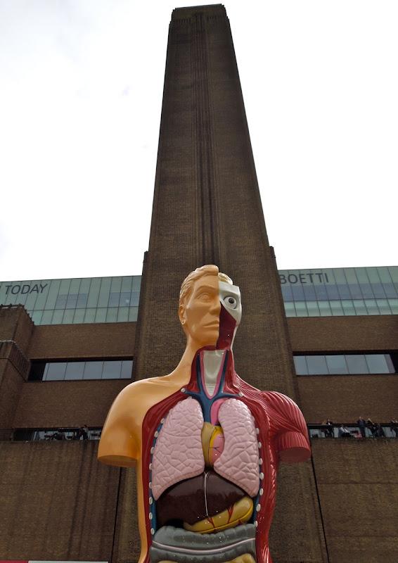 Hymn sculpture Damien Hirst Tate Modern